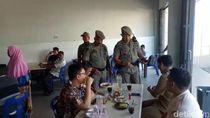 Satpol PP Pergoki Banyak PNS Aceh Nongkrong di Warkop Saat Jam Kerja