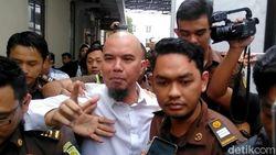 Buka-bukaan Al Ghazali Ceritakan Kehidupan Ahmad Dhani di Penjara