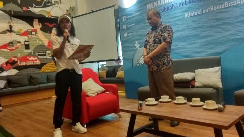 Singgung Sampah Plastik, Kaka Slank Sampaikan Surat Laut untuk Capres