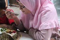 Sensasi Pulen Legit Durian Bakar Berpadu Ketan Kukus Khas Jombang