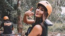 Foto: Gaya Cantik Maria Selena Bertualang di Bali