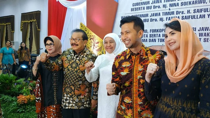 Emil Dardak adalah Wakil Gubernur Jawa Timur terpilih yang dilantik bersama Khofifah Indar Parawansa pada Rabu siang (13/2). Presiden Joko Widodo (Jokowi) telah melantik pemimpin baru Jawa Timur ini. Foto: Instagram emildardak