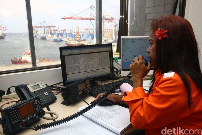 Pelabuhan Tanjung Priok, Jakarta Utara, menerapkan Marine Operating System (MOS) sejak 3 Oktober 2018.