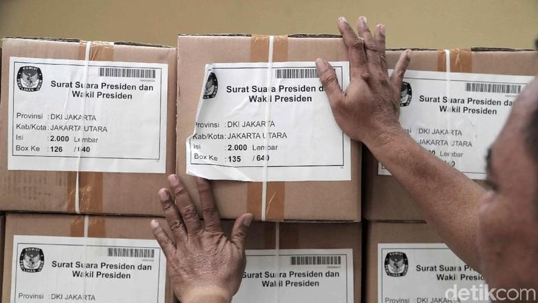 Kejar Target, Logistik Pemilu Terus Didistribusikan