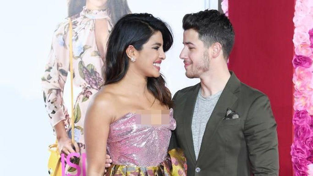 Valentine, Nick Jonas dan Priyanka Chopra Mesra di Karpet Merah