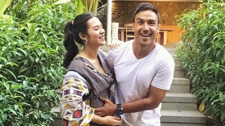 Kebahagiaan Raisa dan Hamish Daud Sambut Anak Pertama/ Foto: Instagram/@raisa6690, @hamisdw