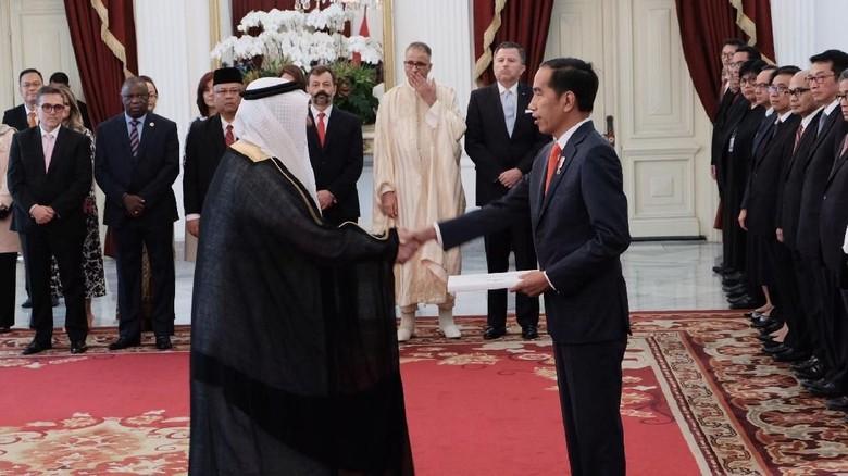 Jokowi Terima Surat Tugas 11 Dubes dari Arab Saudi hingga Venezuela