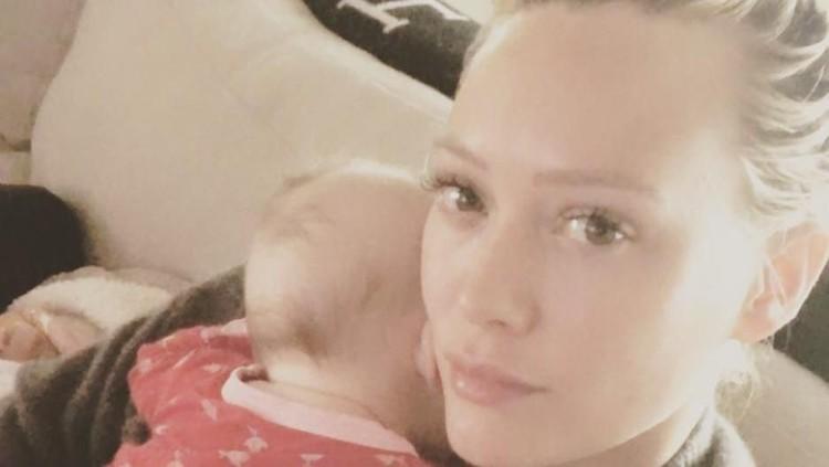 Anak Sulit Tidur, Hilary Duff Pakai Jasa Pelatih Profesional