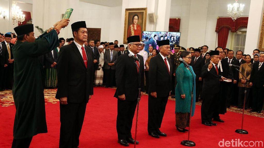 Jokowi Lantik 5 Duta Besar RI di Istana
