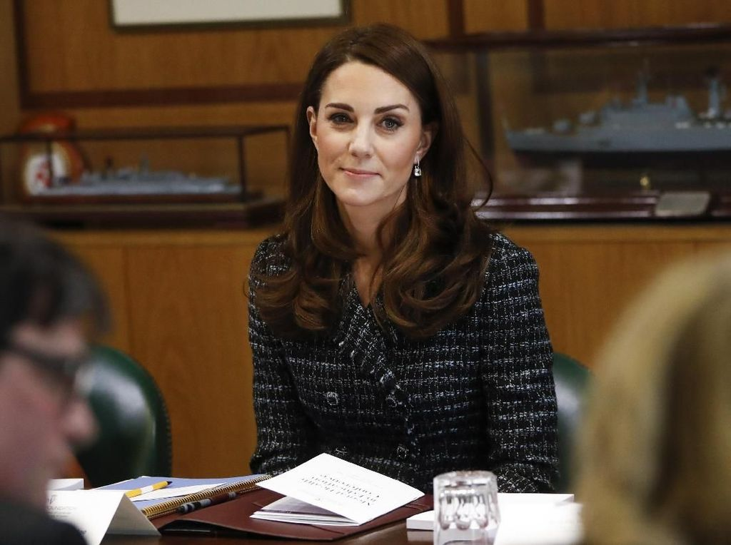 Langgar Aturan Kerajaan, Kate Middleton Absen di Baby Shower Meghan Markle