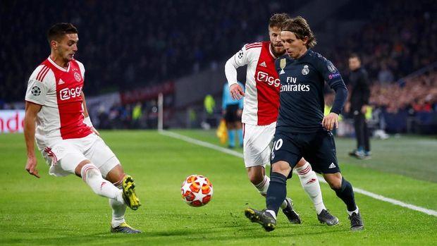 Real Madrid menang 2-1 di kandang Ajax Amsterdam di leg pertama.