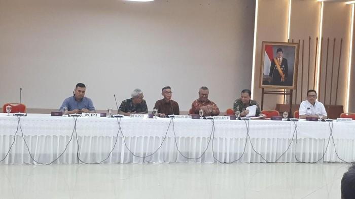 Suasana rapat KPU, KPI, Dewan Pers, dan Bawaslu RI dalam membahas fasilitas iklan kampanye di media. (Dwi Andayani/detikcom)