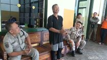 Pria Gangguan Jiwa Mengamuk Bawa Kapak, Polisi Turun Tangan