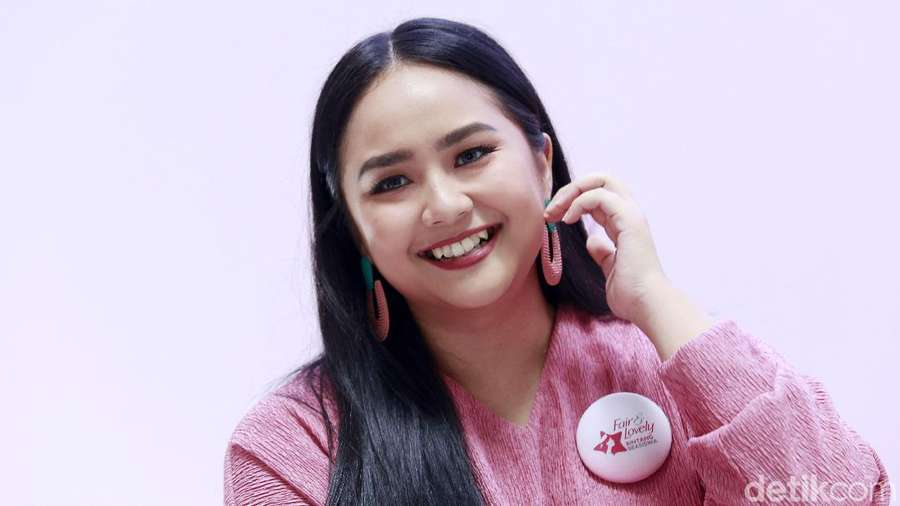 Senyum Manis Gita Gutawa