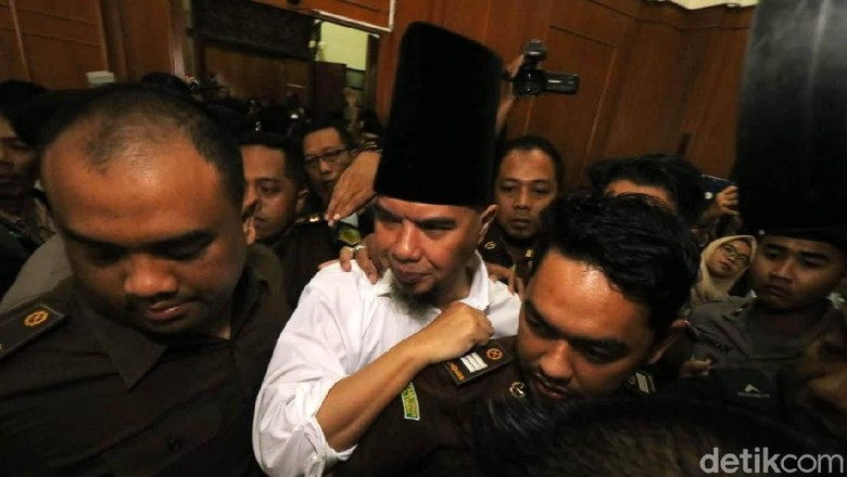 KH Maruf Amin: Ahmad Dhani Tahu Apa tentang NU?!