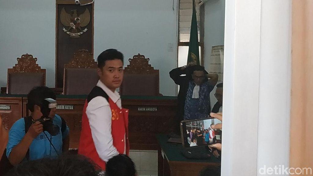 Hakim Sakit, Sidang Vonis Kasus Kokain Richard Muljadi Ditunda