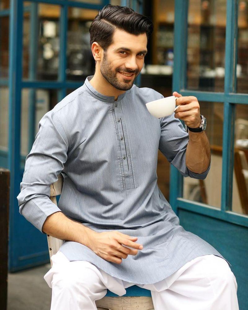 Ladies, yuk kenalan dengan Shahzad Noor, aktor juga model asal Pakistan. (shahzad_noor/Instagram)
