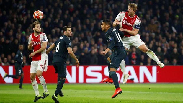 Ajax Amsterdam harus bekerja keras pada leg kedua untuk bangkit dari kekalahan 1-2.