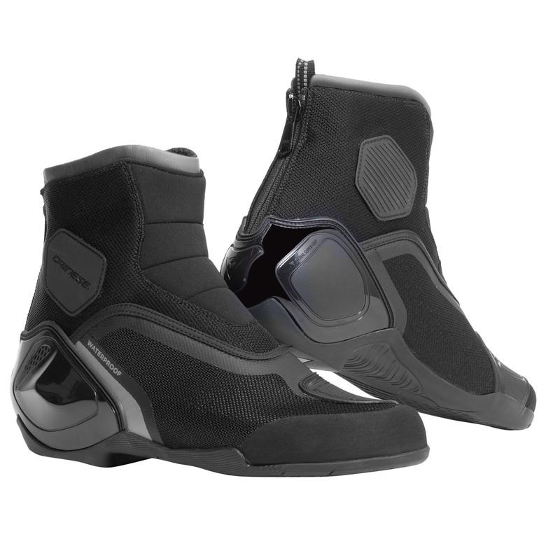 Koleksi Sepatu Riding Keren yang Aman dan Tetap Gaya 41baefc265