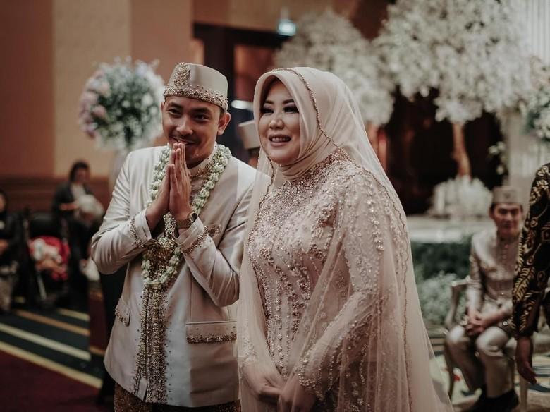 5 Fakta Risa Saraswati yang Saat Menikah Dihadiri Teman Gaibnya/Foto: Mezzo Photo / Instagram @mezzophotoupdate