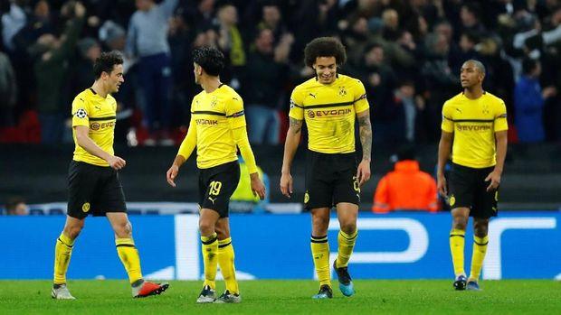 Dortmund tampil impresif di babak pertama, tapi justru tak berkutik di babak kedua.