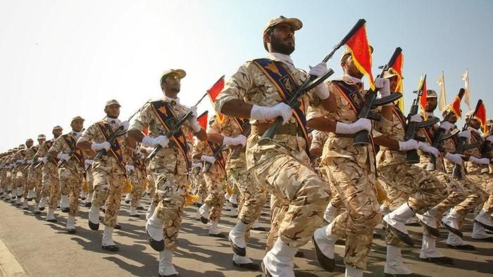 Pengebom bunuh diri sasar Garda Revolusi Iran, kelompok Muslim Sunni klaim bertanggung jawab
