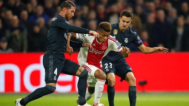 Real Madrid memenangi laga pertama babak 16 besar Liga Champions 2018/2019 yang berlangsung di markas Ajax.