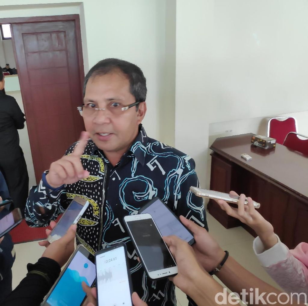Camat Se-Makassar Bikin Video Dukung Jokowi, Walkot: Itu Hak Pribadi