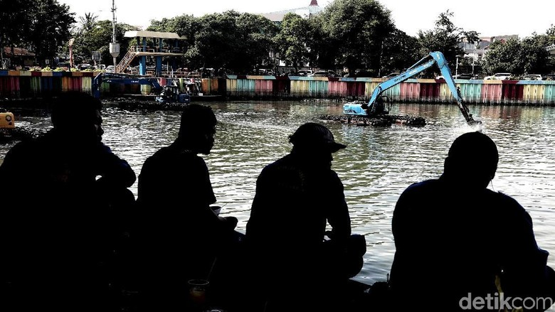 Normalisasi Danau Sunter Jadi Tontonan Warga