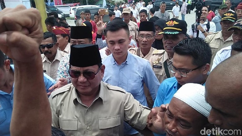 Di Blora, Prabowo Puji Bibit Waluyo Panglima dengan Nyawa Saringan