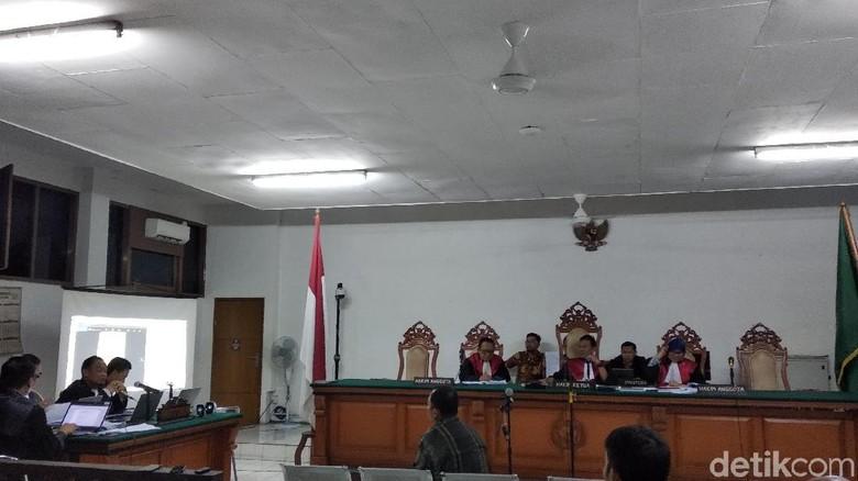 Hakim Ragukan Keterangan Terdakwa Suap Meikarta Bawa Nama Investor