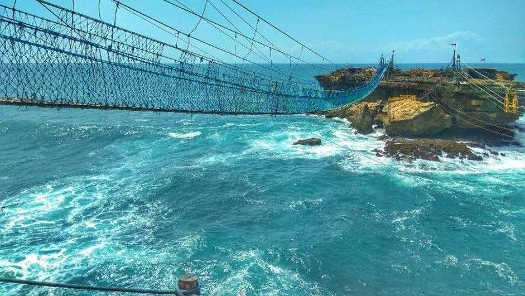 Ngeri-ngeri Sedap, Naik Gondola di Atas Laut