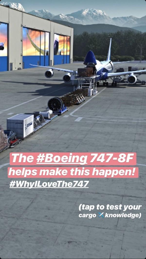 Airbus mengumumkan penghentian produksi jet penumpang kabin dua tingkatnya, A380. Sementara itu, Boeing dengan pesawat berjenis sama, 747 sedang asyik merayakan Hari Valentine (Boeing)