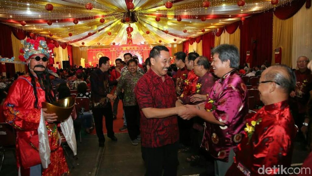 Rayakan Imlek Suguhkan Kolaborasi Budaya Lokal Banyuwangi