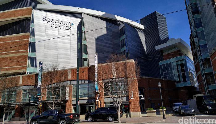 Spectrum Center, markas Charlotte Hornets, akan menjadi venue NBA All Star weekend 2019. Ini menjadi kedua kalinya Charlotte ditunjuk sebagai host setelah 1991.