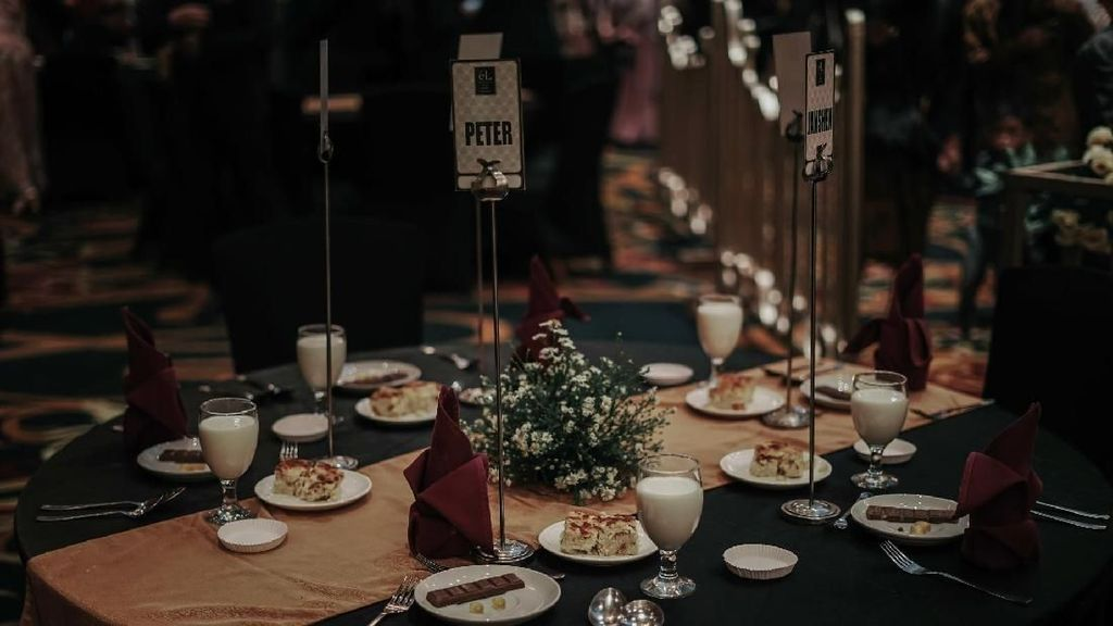 Makanan Ini Disajikan untuk 5 Teman Gaib Risa Saraswati di Pesta Pernikahannya