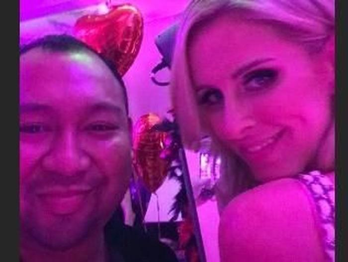 Putra Prabowo, Didit Hediprasetyo mengunggah fotonya bersama Nicky Hilton di pesta ultah Paris Hilton.Foto: Instagram