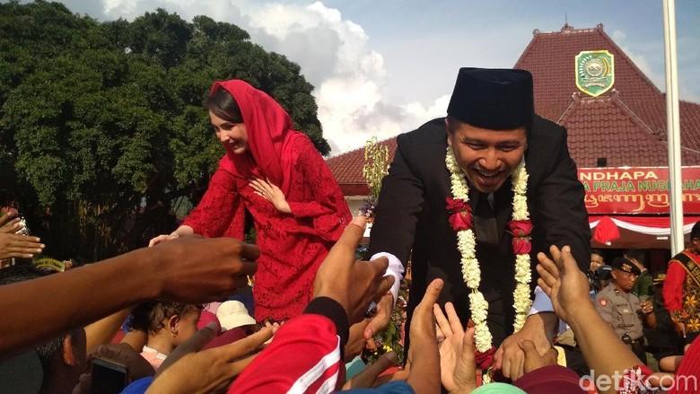 Tugas Baru Arumi Bachsin Sebagai Istri Wakil Gubernur Jatim/ Foto: Adhar Muttaqin