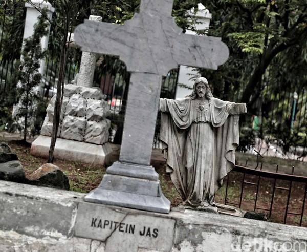 Taman ini bagian dari Museum Taman Prasasti yang berada di Jl Tanah Abang I No.1, RT.11/RW.8, Petojo Selatan, Gambir, Jakarta Pusat. Museum dengan luas 1,2 hektare ini berisi karya seni dan memamerkan kecanggihan para pematung, pemahat, kaligrafer dan sastrawan. (Pradita Utama)