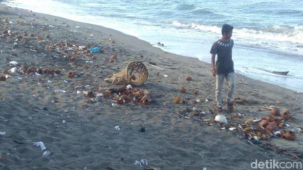 sampah yang bertebaran