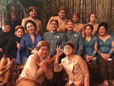 Hangatnya Kebersamaan Titiek Soeharto dengan Keluarga Tercinta