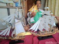 Usir Kejenuhan, Nelayan Pangandaran Rakit Minatur Pinisi