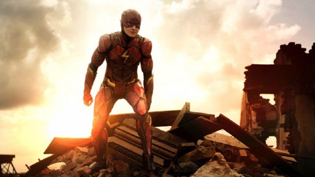 Penampakan The Flash Versi Asli di Justice League