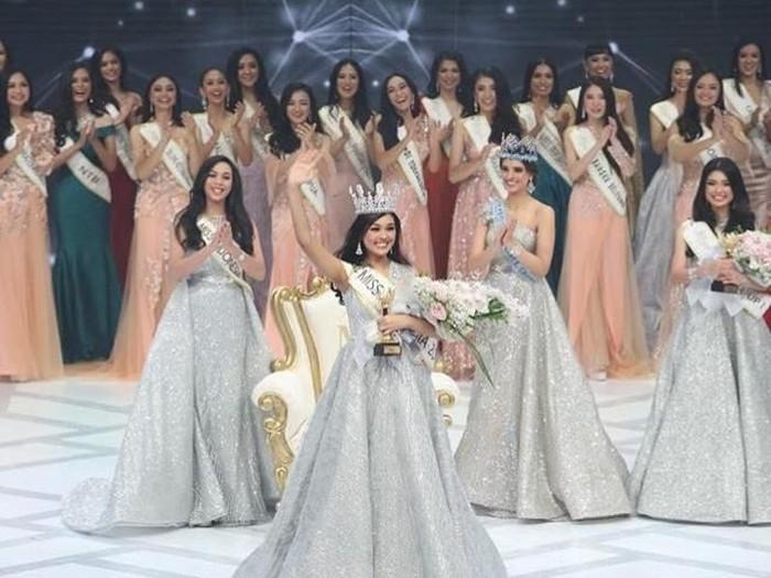Miss Indonesia 2019 Princess Megonondo bersinar di penjurian awal Miss World 2019. (Foto: Instagram)