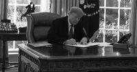 Trump Ngotot Pertahankan Status Darurat Nasional demi Tembok