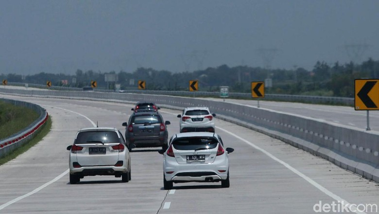 Tol Trans Jawa Foto: Agung Pambudhy