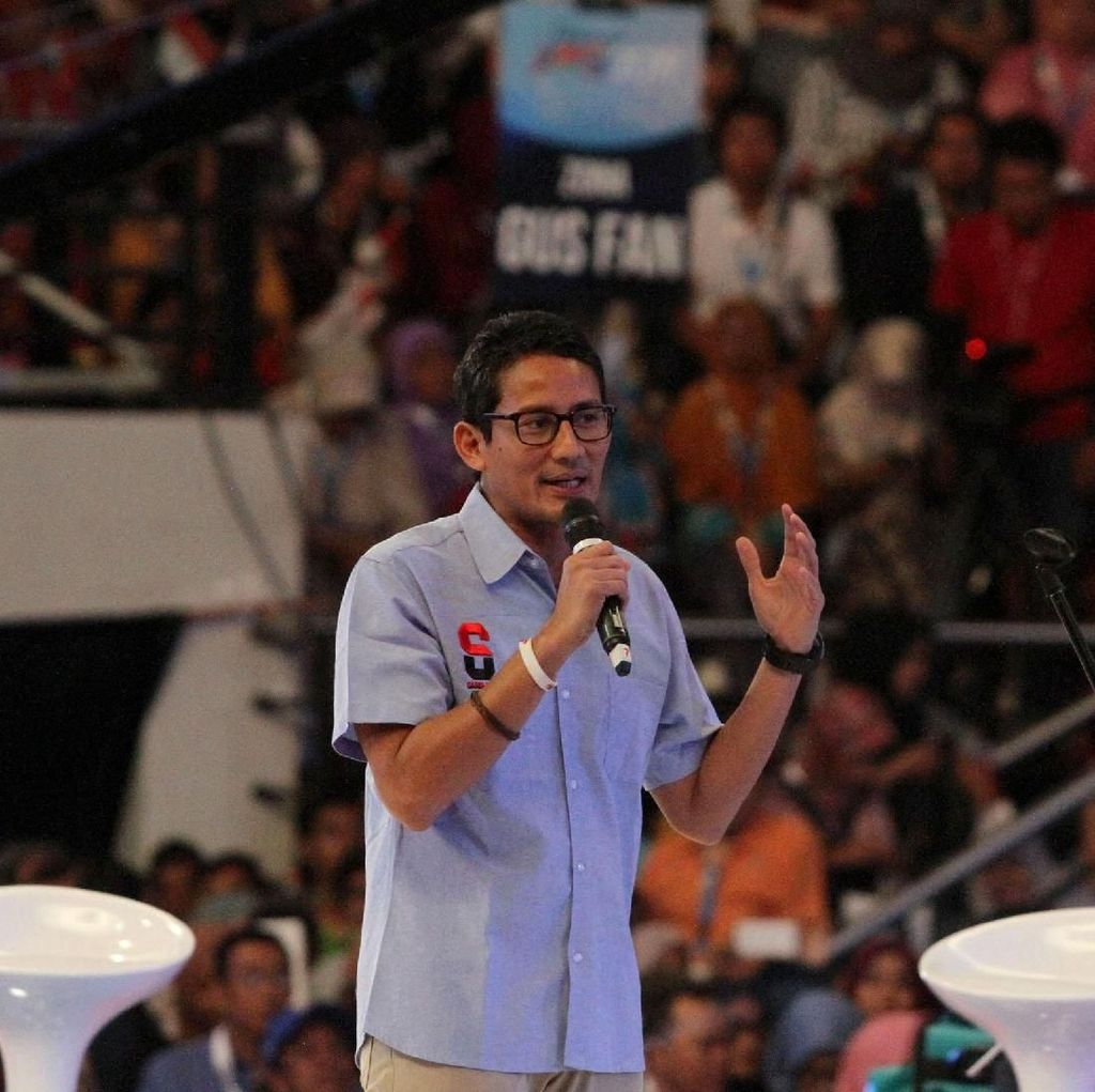 Sandiaga: Pak Jokowi Tampil Rileks dan Tajam, Tapi Kurang Senyum