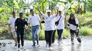 Asyiknya Menteri Rini, Anas & Bos Bank BUMN Lari di Kebun Cokelat Banyuwangi