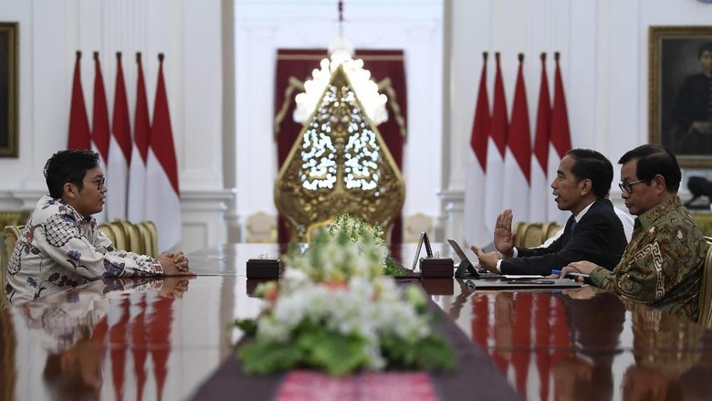 CEO Bukalapak Achmad Zaky Bertemu Jokowi. Istana: Presiden tidak Marah pada Zaky