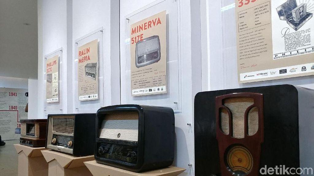 Menyusuri Lorong Waktu Lewat Pameran Radio Antik di Bandung